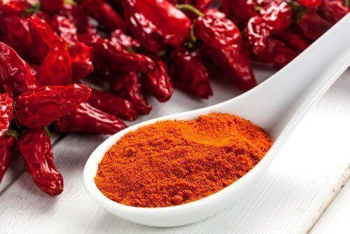 peräaukon kutina saattaa johtua mausteisesta ruoasta
