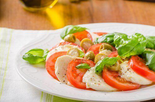 tomaatti ja mozzarella