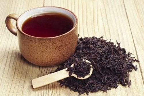 kokeile mustaa teetä kun hiukset alkavat harmaantua
