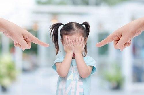 lapset eivät ansaitse vanhempien turhaa torua