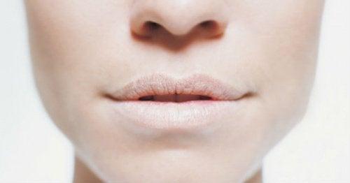 Neljä eri tapaa ehkäistä suun kuivumista