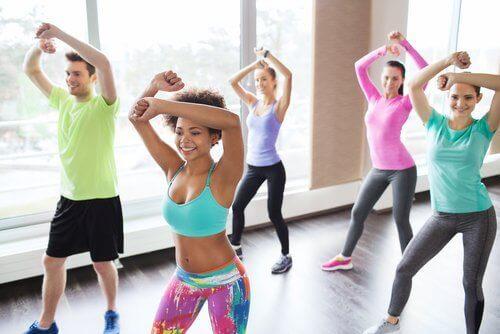 tanssiminen ryhmässä