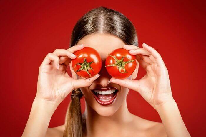 tomaatit silmillä