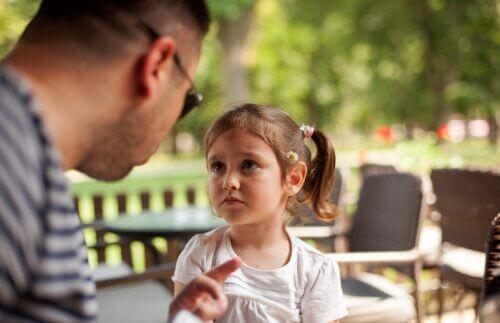 Älä suutu aiheettomasti – kasvata lapsistasi terveitä
