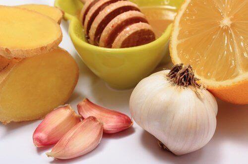 valkosipuli ja appelsiini