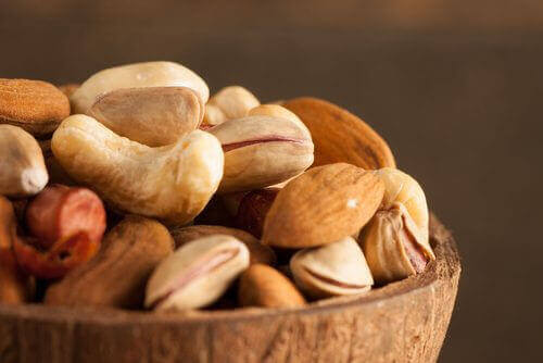 poista energiavaje pähkinöillä