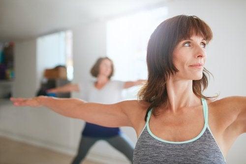 Kiinteytä rintoja liikunnan avulla.
