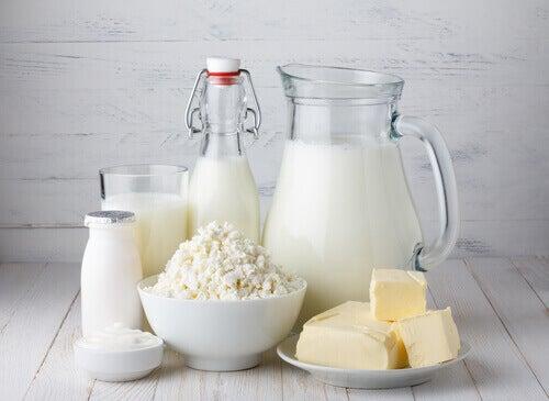 serotoniinin puutteesta johtuva masennuksen hoito maitotuotteilla