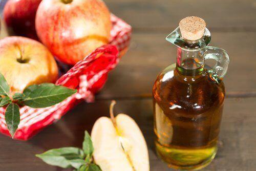 Omenaviinietikan avulla voit päästä eroon ihon sienitulehduksesta.