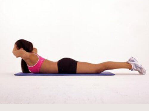ylävartalon nosto selän vahvistamiseksi