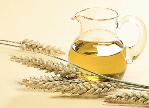 vehnänalkioöljy heikoille kynsille