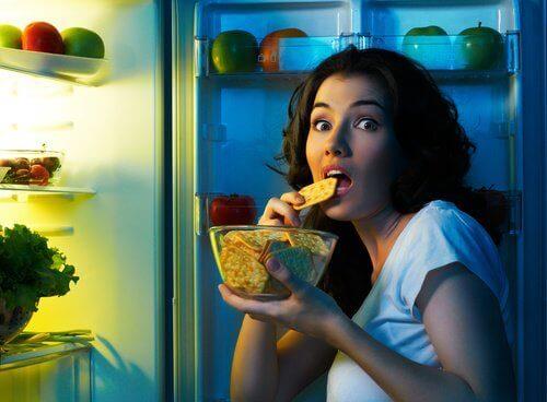 mutustaa jääkaapilla