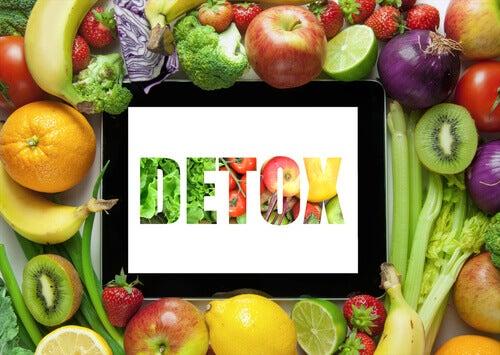 detox hedelmillä ja vihanneksilla
