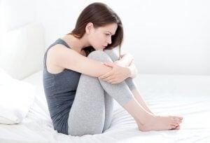 Mikä aiheuttaa epäsäännöllistä vaginan verenvuotoa?