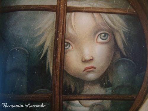 lapsi katsoo ikkunasta ulos