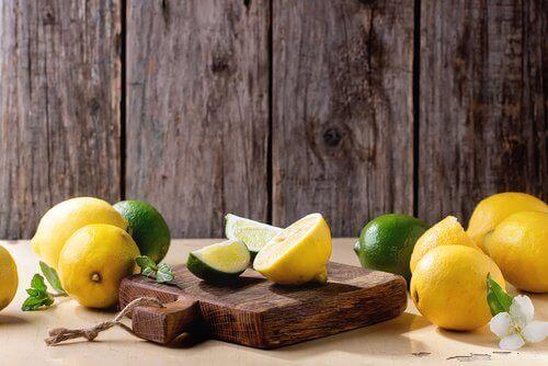 hyödynnä sitruunoita kodin puhdistuksessa