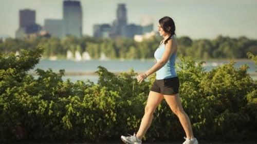 liikuntaa selluliitin vähentämiseksi