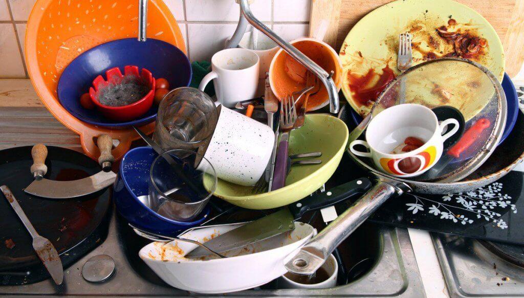 hyödynnä sitruunoita tiskaamisessa