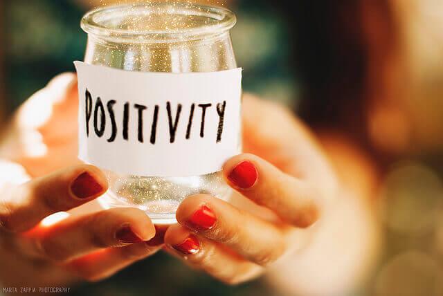 positiivisuuspullo