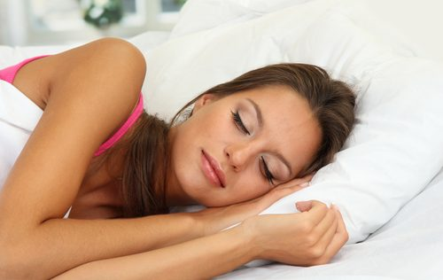 riittävä uni aknen karkottamiseksi
