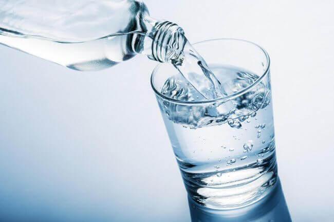 raikasta vettä