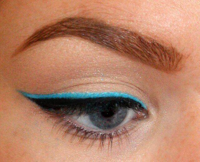 vinkit eyelinerin käyttöön: värikäs eyeliner