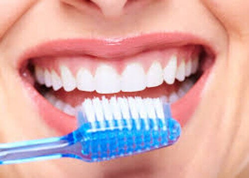 harjaa hampaitaan