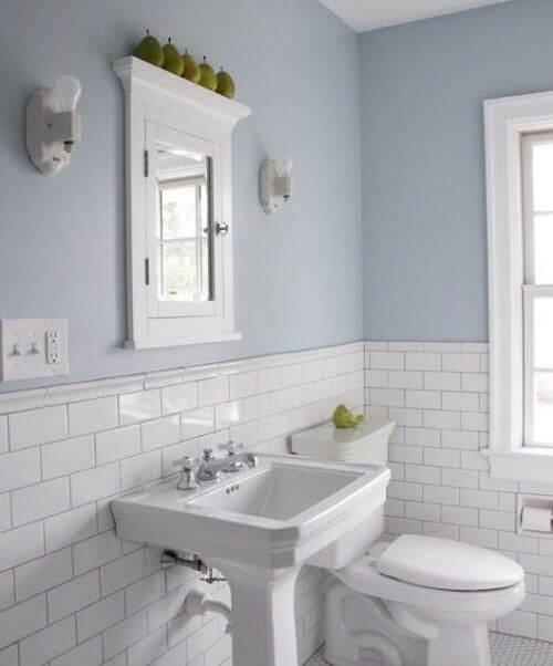 Voit käyttää luovuutta kylpyhuoneen sisustamiseksi.