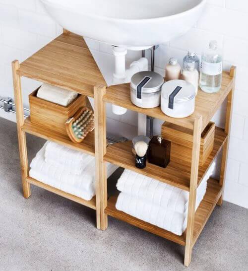 kylpyhuoneen sisustaminen hyllyillä