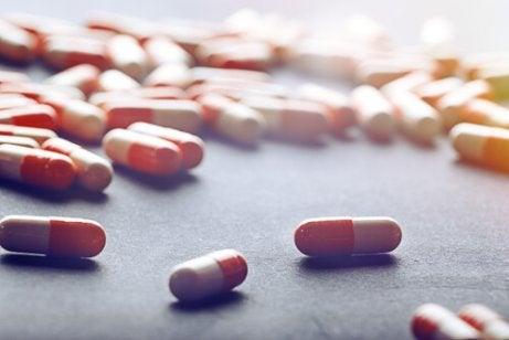 Jotkut lääkkeet voivat myrkyttää maksaa.