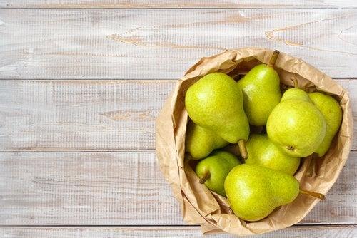 päärynöistä täyttävä smoothie