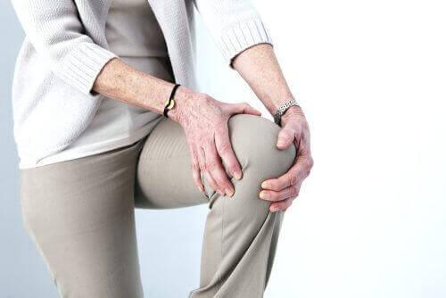 Noin 28% yli 60- vuotiaista kärsii nivelrikosta.