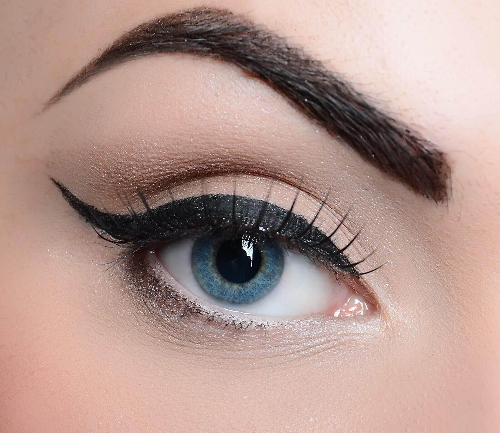 vinkki eyelinerin käyttöön
