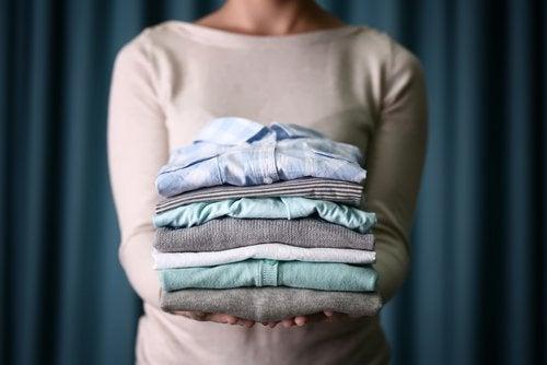 Maissitärkkelyksen avulla kuivapeset vaatteesi.