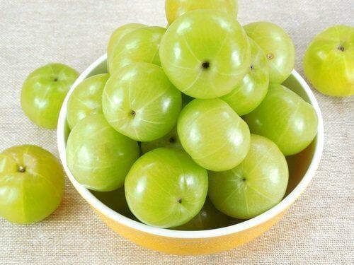 Amblapuun hedelmät