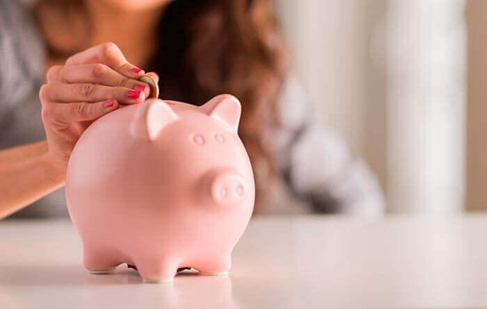 rahaa säästöpossuun