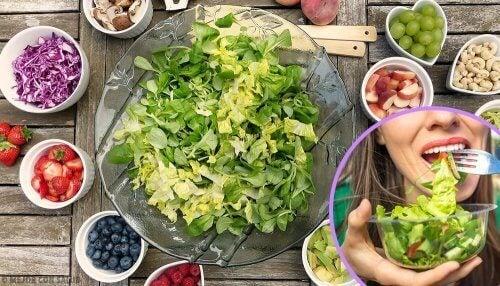 5 ravitsevaa salaattia, jotka on helppo valmistaa