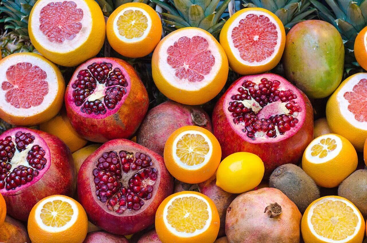 värikkäät hedelmät