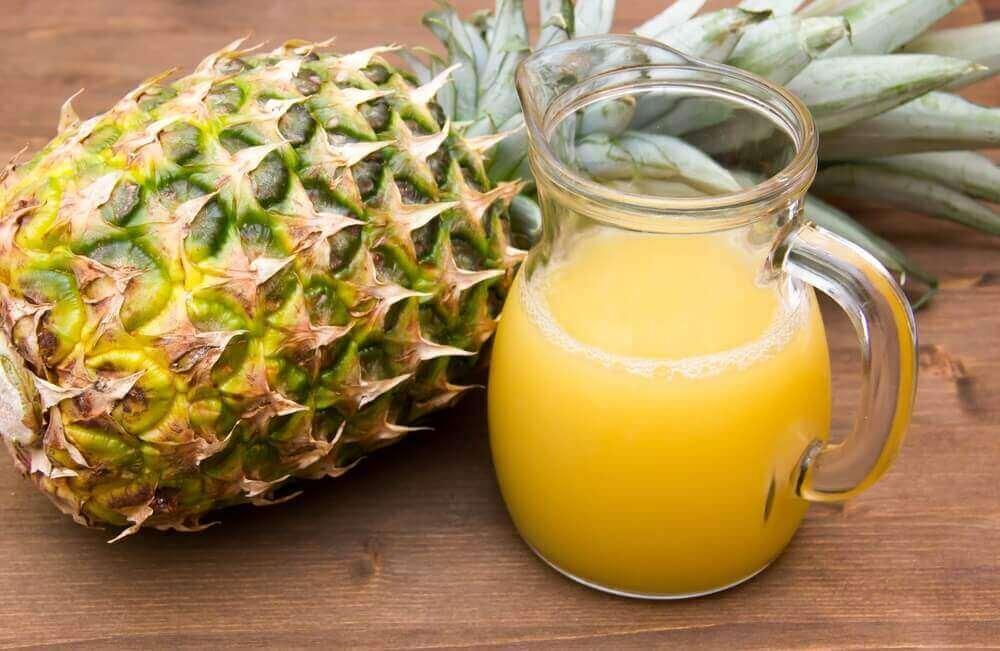 Ananas auttaa estämään turvotusta.