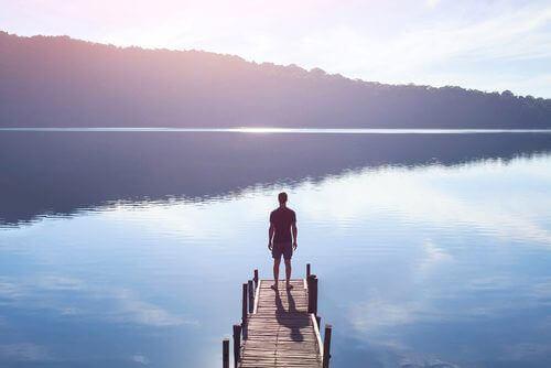mies järvellä