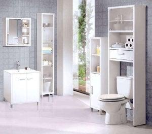 kylpyhuoneen siivoaminen