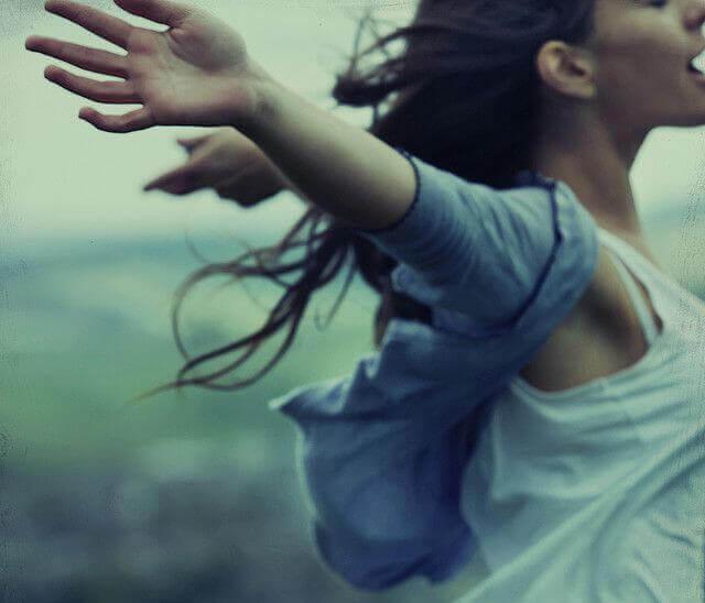onnellinen ja vapaa
