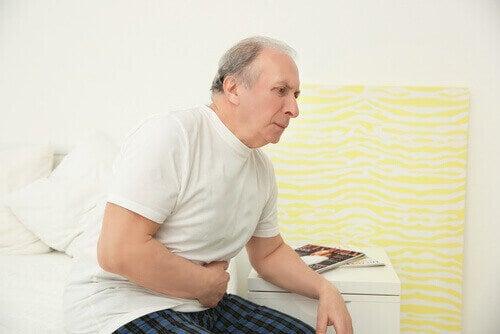 D-vitamiinimyrkytys voi aiheuttaa pahoinvointia ja oksentelua.