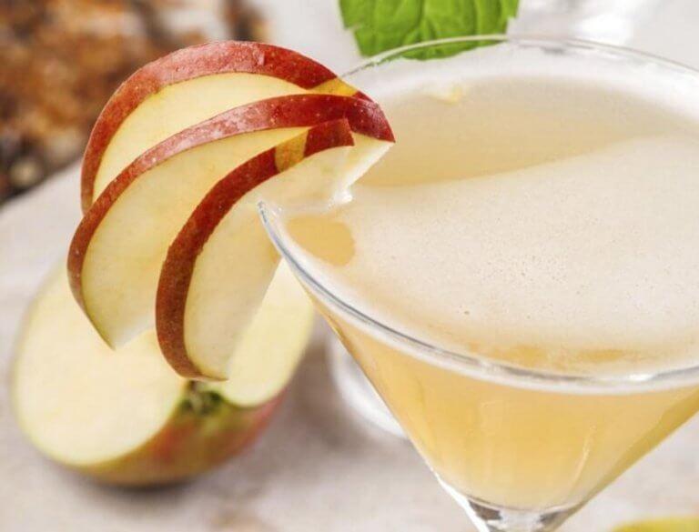 Nauti omenamehua vatsan hoikistamiseksi.