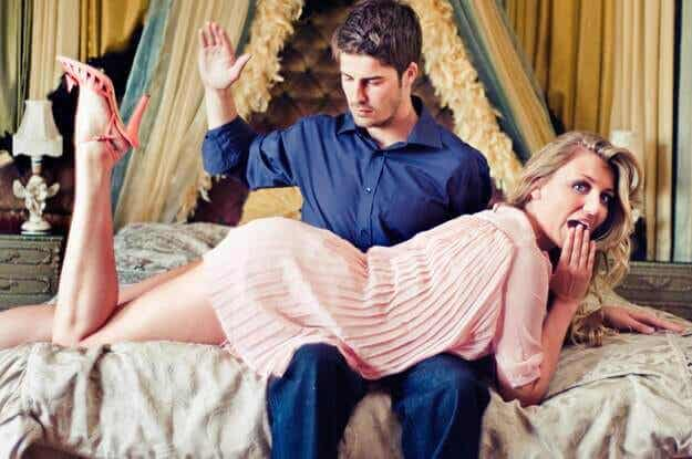 Mitä on eroottinen piiskaaminen?