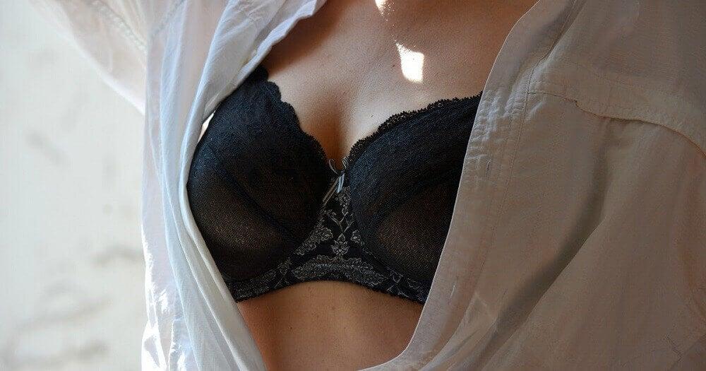 naisen rinnat
