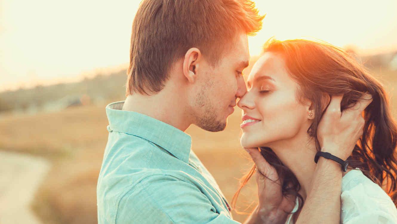 Suutelemme, koska nautimme kumppanistamme.