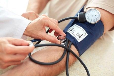 Paranna terveyttäsi punajuurella ja laskea korkeaa verenpainetta.
