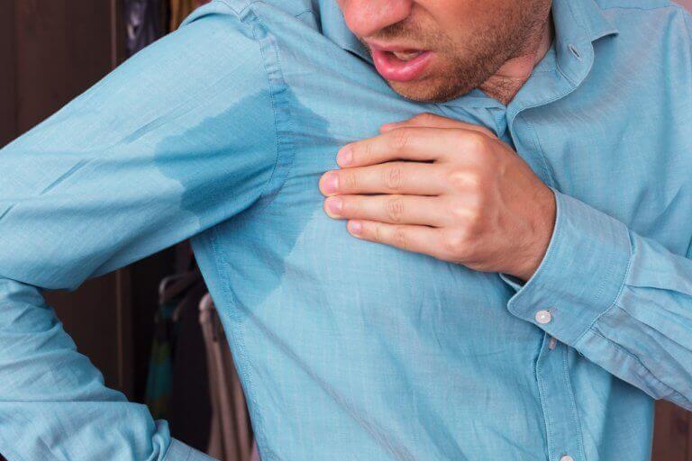 Poista hikiläikät vaatteista näillä 5 keinolla