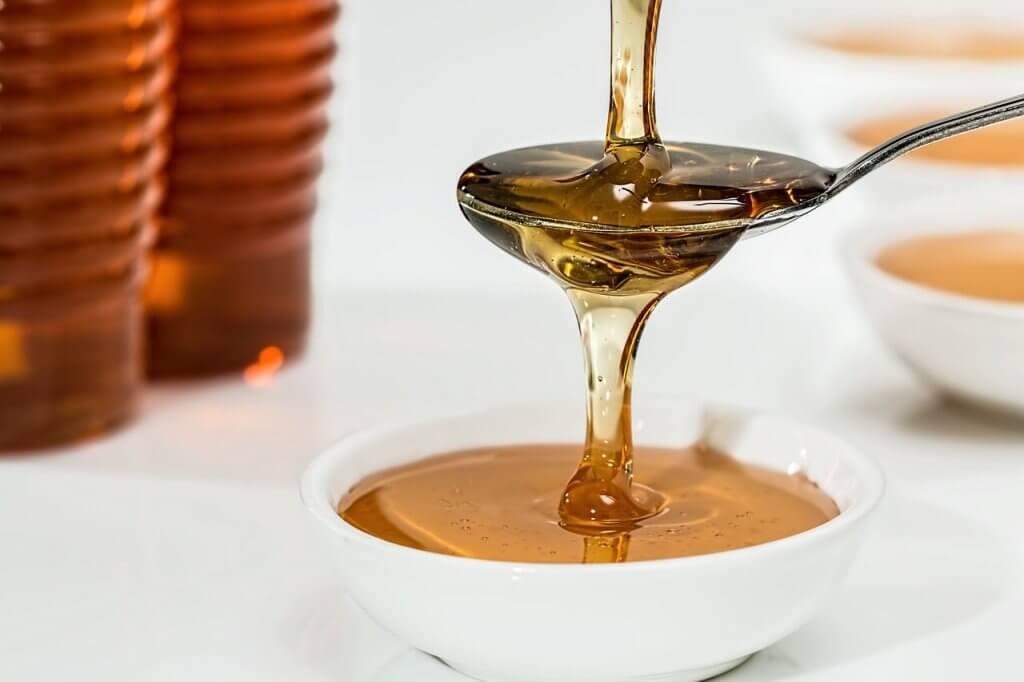 terveen ihon saa käyttämällä hunajaa